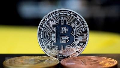 Tiền điện tử bitcoin lần đầu tiên vượt mốc 30.000 USD