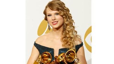 Lễ trao giải âm nhạc Grammy lại bị hoãn