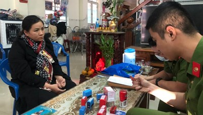 Đà Nẵng: Làm giả hàng chục con dấu, giấy tờ vay tiền ngân hàng để hưởng lợi