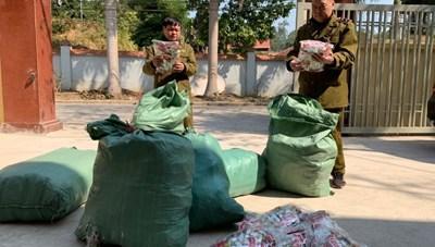 Bắt vụ vận chuyển 9.000 chân gà nhập lậu tại Lạng Sơn