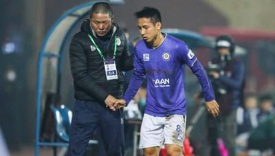 Cầu thủ gây chấn thương cho Đỗ Hùng Dũng nhận án phạt đầu tiên ở V-League 2021