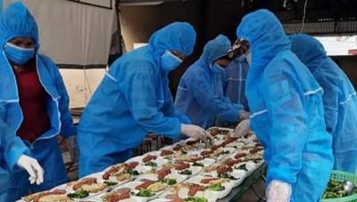 Cảm động bếp ăn 'dã chiến' xuyên Tết luôn đỏ lửa tại ổ dịch TP Chí Linh