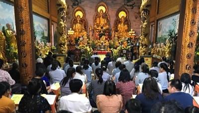 Cộng đồng người Việt tại Lào đón Tết Nguyên tiêu
