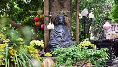 [ẢNH] Ngôi chùa cổ có tượng Phật từ đá quý nguyên khối nặng 600 kg