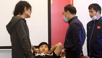 Ông Park 'đau đầu' vì hàng thủ