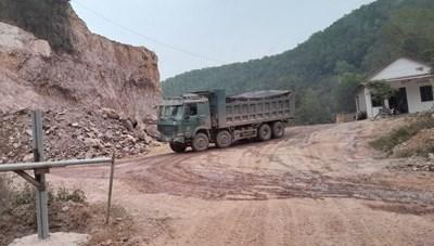 Bắc Giang: Chưa lắp trạm cân, mỏ đã khai thác đất