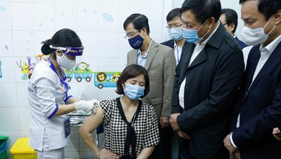 Vaccine ngừa Covid-19: Những mũi tiêm đầu tiên