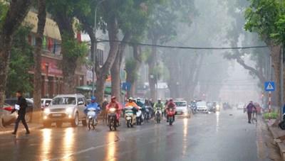 Sáng cuối tuần, Hà Nội có mưa phùn kèm sương mù