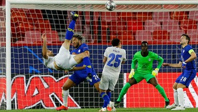 Thua Porto vì siêu phẩm, Chelsea vẫn vào bán kết Champions League