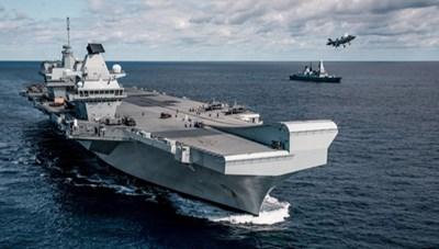 Tàu HMS Queen Elizabeth của Anh gặp sự cố trước hải trình đầu tiên