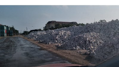 Nghệ An: Thất thu do xuất khẩu thô đá trắng