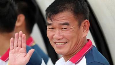 HLV Phan Thanh Hùng từ chức HLV trưởng B.Bình Dương