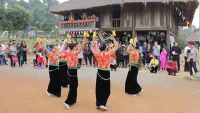 Định hướng phát triển Làng Văn hóa - Du lịch các dân tộc Việt Nam: Để chủ thể tự giới thiệu về mình