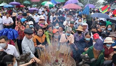 Hơn 60 nghìn lượt khách thập phương về tri ân công đức Vua Hùng