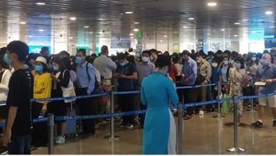Họp khẩn bàn giải pháp xử lý ùn tắc tại sân bay Tân Sơn Nhất