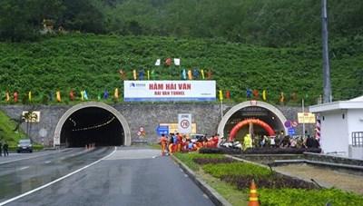 Hầm Hải Vân phục vụ thông suốt 10.000 lượt phương tiện mỗi ngày