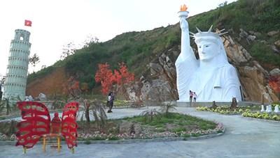 Tượng Nữ thần tự do 'phiên bản lỗi' ở Sa Pa: Địa phương không thể vô can