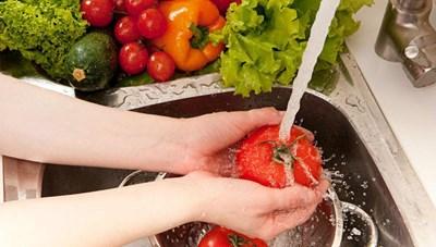 Mùa nắng nóng đề phòng ngộ độc thực phẩm