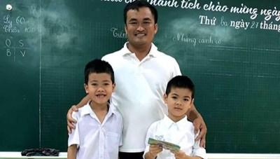 Quảng Trị: Hai học sinh lớp 1 trả lại gần 30 triệu đồng cho người đánh rơi