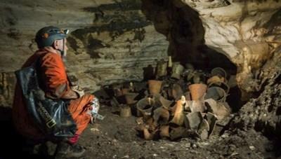 Mexico phát hiện 137 dấu tay của người Maya cổ đại trong hang động