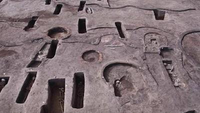 Phát hiện 110 ngôi mộ cổ ở Ai Cập