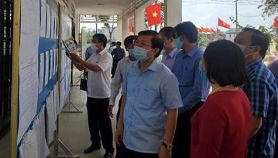 Phó Chủ tịch Nguyễn Hữu Dũng giám sát công tác bầu cử ở Thừa Thiên-Huế