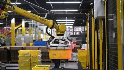 Các công ty Bắc Mỹ mua thêm robot để đáp ứng nhu cầu sản xuất
