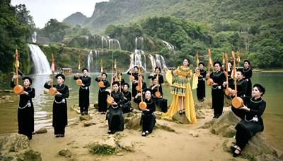 Ra mắt album và MV Tiếng hát giữa rừng Pác Bó