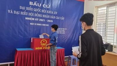 Sinh viên Đại học Điện lực thực hiện quyền nghĩa vụ công dân