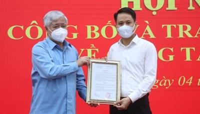 Ông Trương Thành Trung là Phó Tổng Biên tập phụ trách Tạp chí Mặt trận