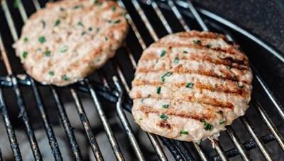 [ẢNH] Cảnh giác những loại thực phẩm dễ gây ngộ độc trong ngày nắng nóng