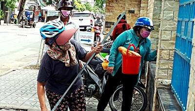'Cần câu cơm Thạch Sanh' độc nhất vô nhị của 2 cụ bà Sài Gòn