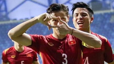 Sau trận với UAE, 5 tuyển thủ Việt Nam sẽ sang Thái Lan thi đấu