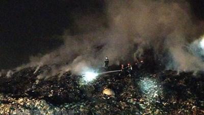 Đám cháy tại bãi rác Khánh Sơn đã cơ bản được khống chế