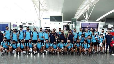 Đội tuyển Việt Nam về nước, cách ly 7 ngày tại TP HCM