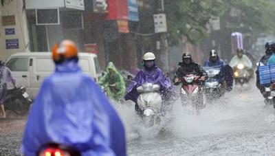 Hôm nay, Bắc Bộ có mưa dông, đề phòng lốc, sét và gió giật mạnh