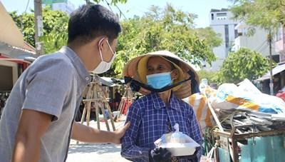 'Bếp ăn 0 đồng' của thầy cô ở Đà Nẵng