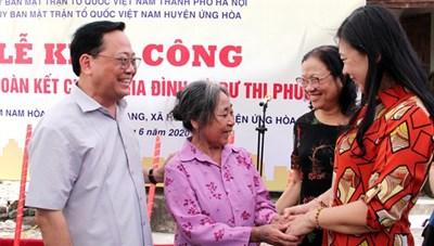 BẢN TIN MẶT TRẬN: Mặt trận Hà Nội hỗ trợ xây 90 nhà Đại đoàn kết