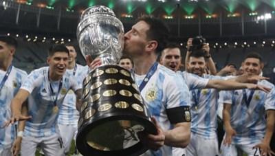 [ẢNH] Khoảnh khắc ăn mừng chiến thắng của nhà vô địch Copa America