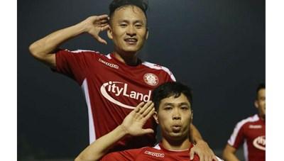 Nhìn từ vòng 9 V-League: Ông Park tạm yên tâm