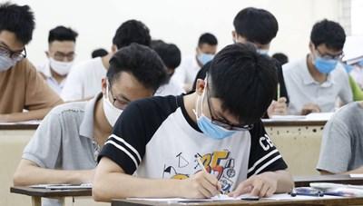 Nhiều trường đại học hoãn kỳ thi riêng