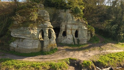 Ngôi nhà nguyên vẹn cổ xưa nhất nước Anh