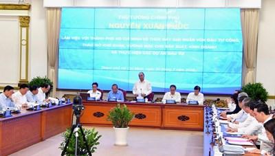 Thủ tướng Nguyễn Xuân Phúc chỉ đạo các bộ ngành cùng TP HCM tháo gỡ ách tắc