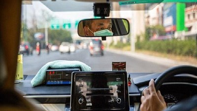 Hà Nội tìm người đi xe hãng taxi Sơn Tây