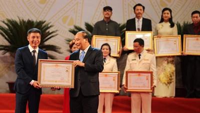 Nhiều nghệ sĩ tên tuổi được xét tặng danh hiệu NSND, NSƯT