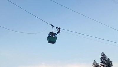 Mexico: Đu dây cứu nhóm người kẹt trong cáp treo cao 30 m