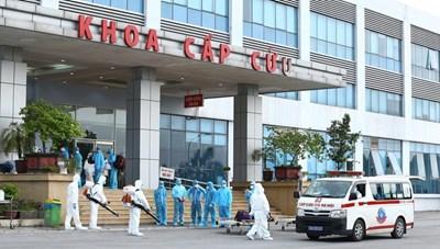 Bảo vệ lực lượng 'áo trắng' trên tuyến đầu chống dịch Covid-19