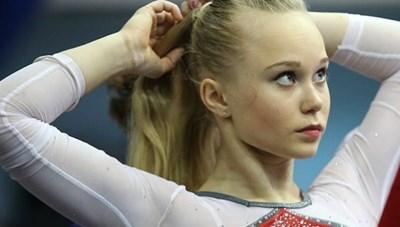 [ẢNH] Ngắm nhan sắc xinh đẹp của Thiên thần Thể dục dụng cụ người Nga