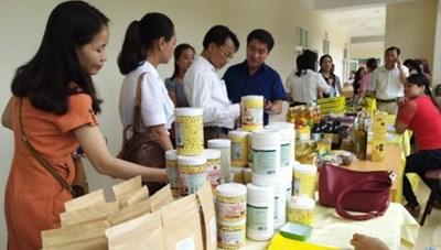 BẢN TIN MẶT TRẬN: Người tiêu dùng lựa chọn hàng Việt