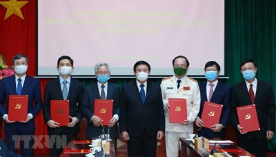 GS.TS Tạ Ngọc Tấn làm Phó Chủ tịch Thường trực Hội đồng Lý luận Trung ương